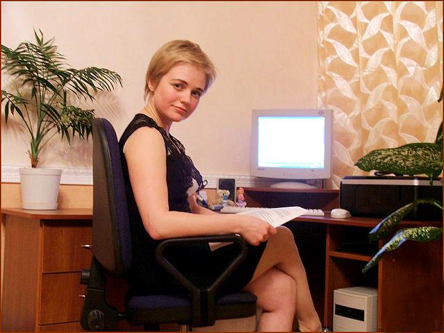 Бухгалтерша Оксана Сосет